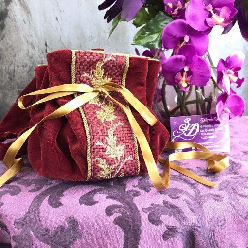 borsetta velluto rosso ricami oro